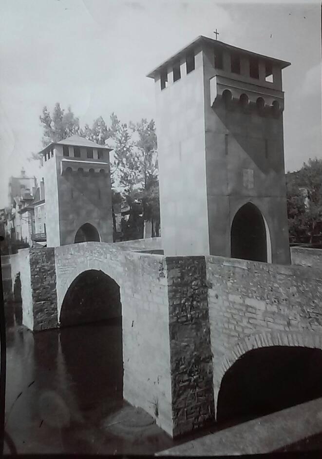 pont des consuls commémoration 700 ans de la ville, photo ancienne villefranche-de-rouergue