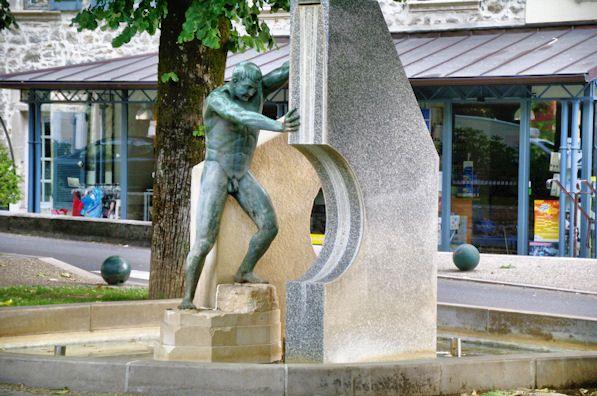 statue faille géologique villefranche de rouergue