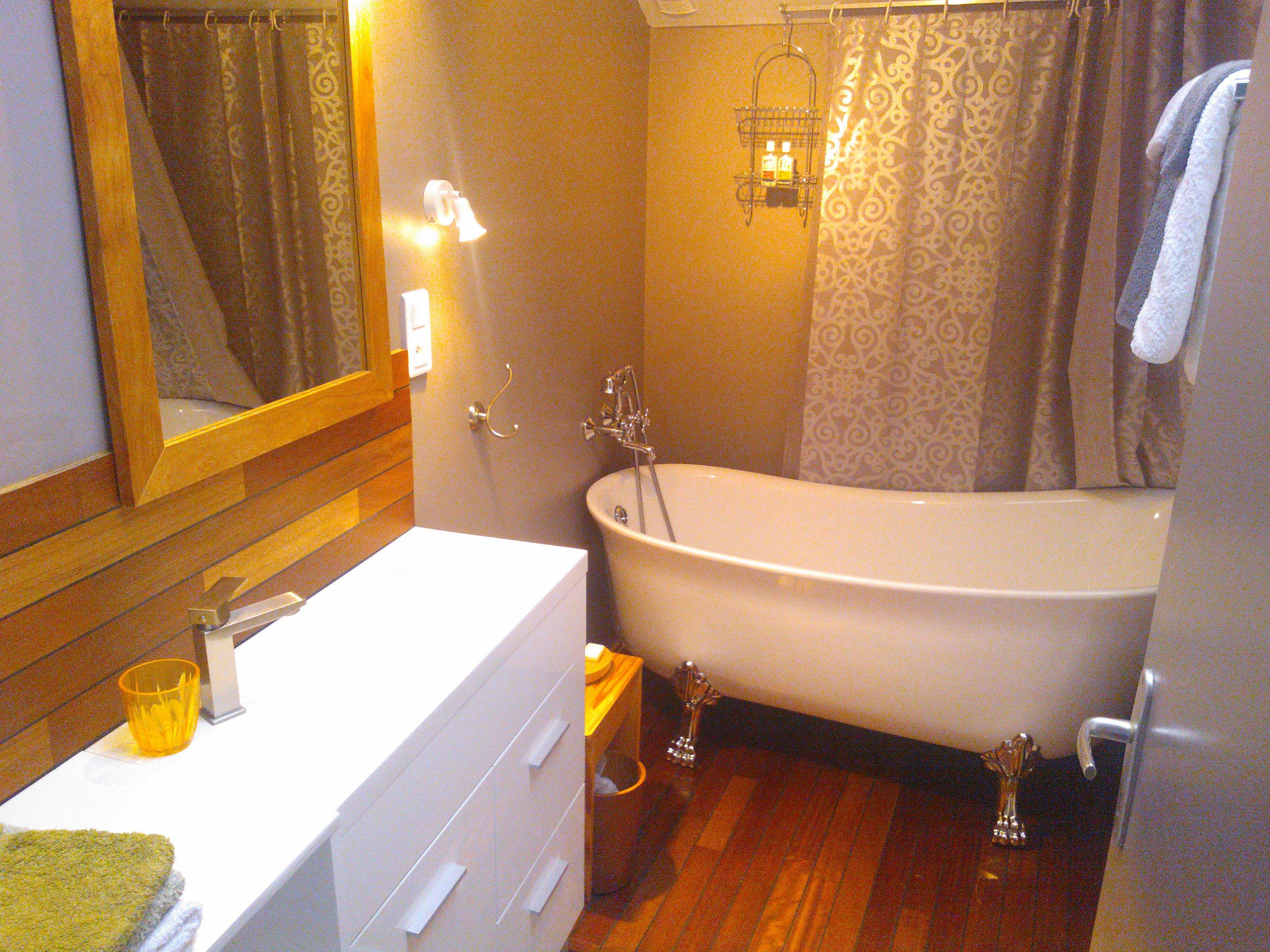 Chambre maison hote villefranche de rouergue gite salle de bains